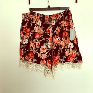 Floral crochet trimmed shorts.